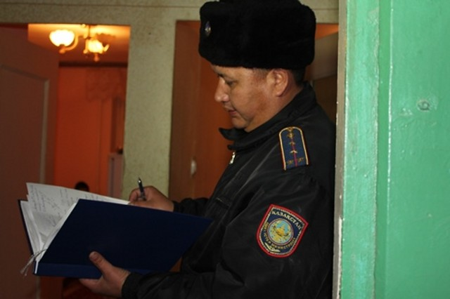 Журналисты провели один день на дежурстве вместе с участковыми Актау