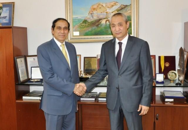 Аким Актау встретился с послом Пакистана в Казахстане