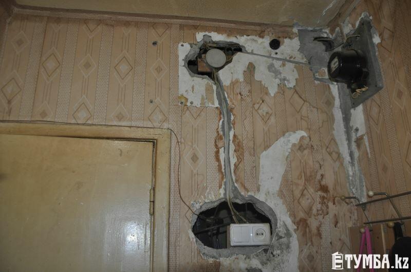 В Актау жители 20 дома 5 микрорайона «тонут» в собственных квартирах