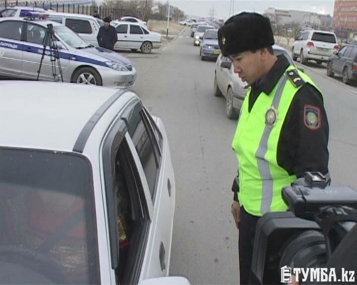 Полицейские Актау провели разъяснительный рейд по новым ПДД