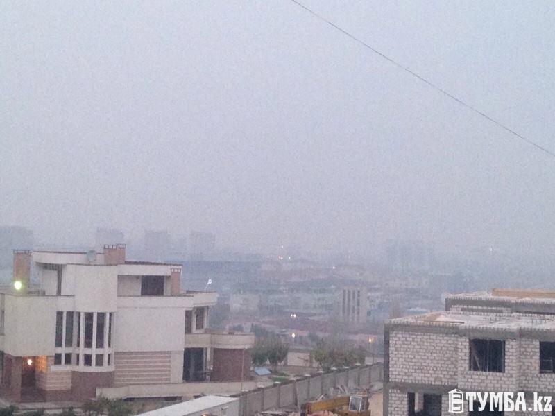 Актау вновь окутал запах гари и дымовая завеса.  В ДЧС Мангистауской области данную информацию подтвердили