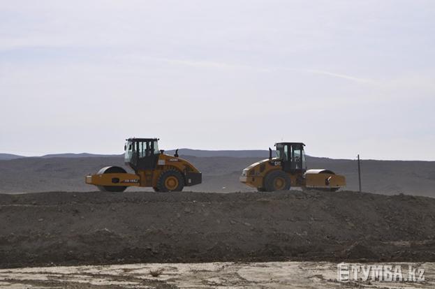 Строительство дороги Актау-Бейнеу идет полным ходом