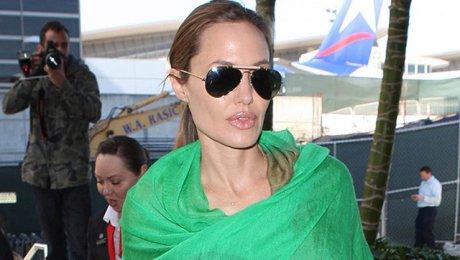 Анджелина Джоли впервый раз появилась напублике без кольца