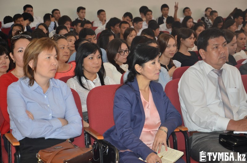 Прокурор Актау провел несколько встреч со школьниками: http://tumba.kz/zhizn-regiona/11-zhizn-regiona/17186-prokuror_vstretilsya_so_shkolnikami.html
