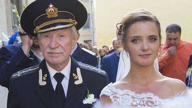 Уполномоченный Ивана Краско избил втелестудии возлюбленного супруги 87-летнего артиста