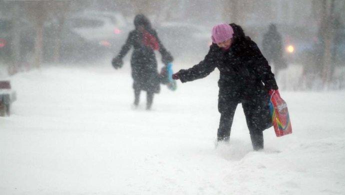 В Астане ввели режим ЧС из-за снежной бури (фото) [ Редактировать ]